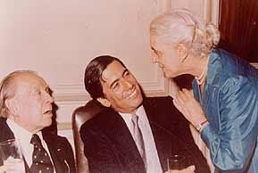 Borges, Vargas Llosa y Alicia Jurado en 1985