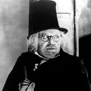 Impresionante caracterización del doctor Caligari