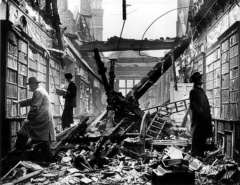 After word, after bomb, Londres, 1940