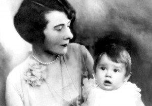 Audrey junto a su madre, Ella van Heemstra