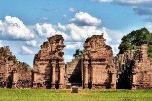 Ruinas de la reducción guaranítica de San Ignacio Miní, en la actual Argentina