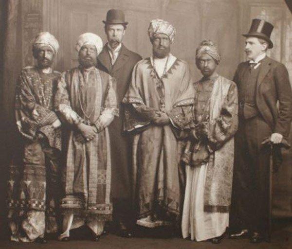 Falsos príncipes, Virginia Woolf está en el extremo izquierdo