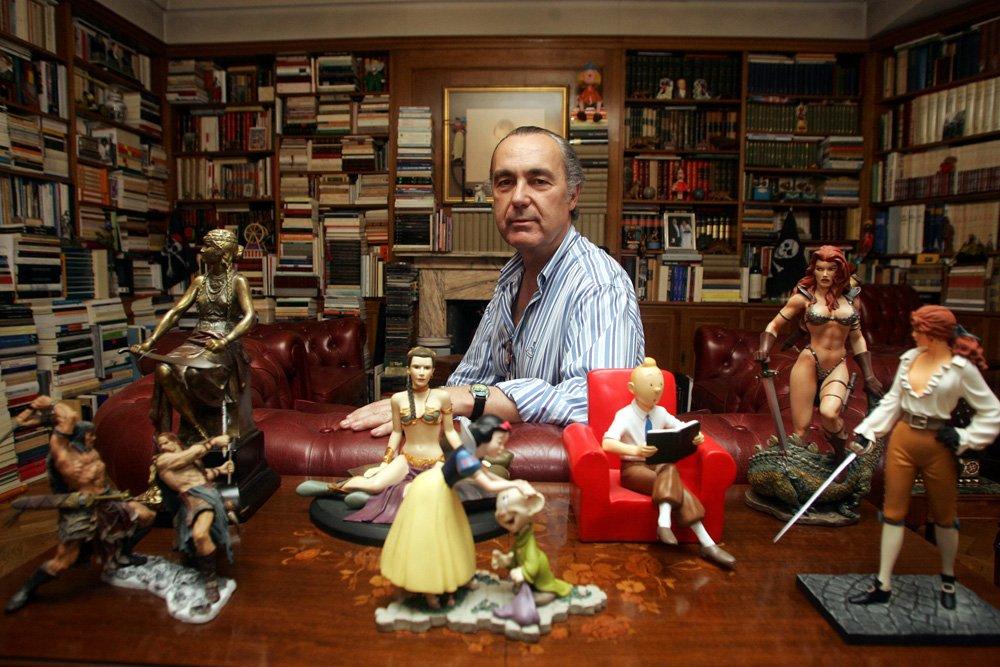 Una biblioteca con personalidad, la de Luis Alberto de Cuenca