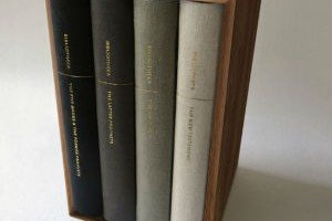La Biblia en cuatro volúmenes