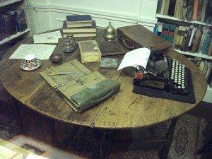 Escritorio de Joseph Conrad con máquina de escribir