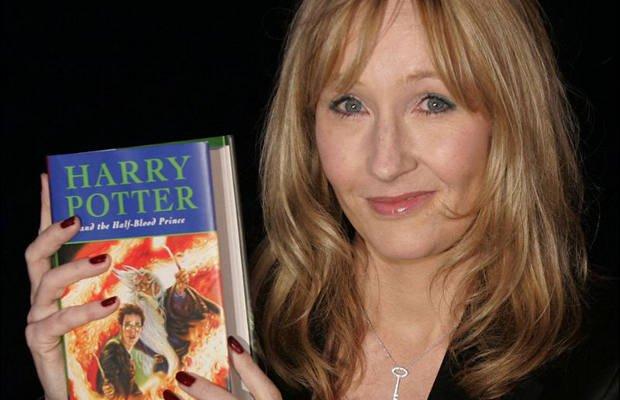 J. K. Rowling y su criatura