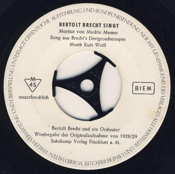 Disco con la voz de Bertolt Brecht