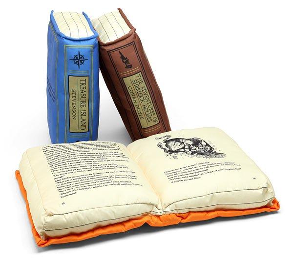 Libros convertidos en almohadas
