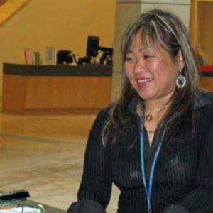 Leah Esguerra, trabajadora social de la Biblioteca Pública de San Francisco