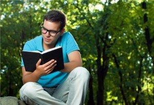 Los 'millennials' leen más que los mayores de 30 años