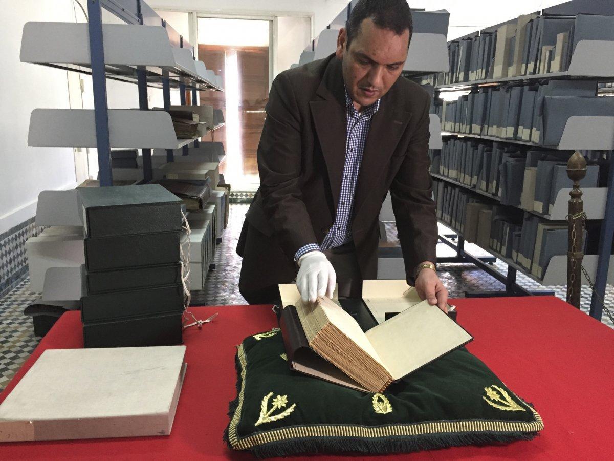 Abdelfattah Bougchouf, conservador de la colección