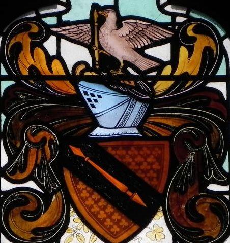 El escudo en una vidriera de la Royal Shakespeare Company