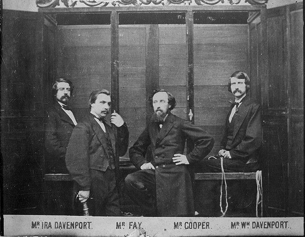 Hermanos Davenport y su armario espiritista
