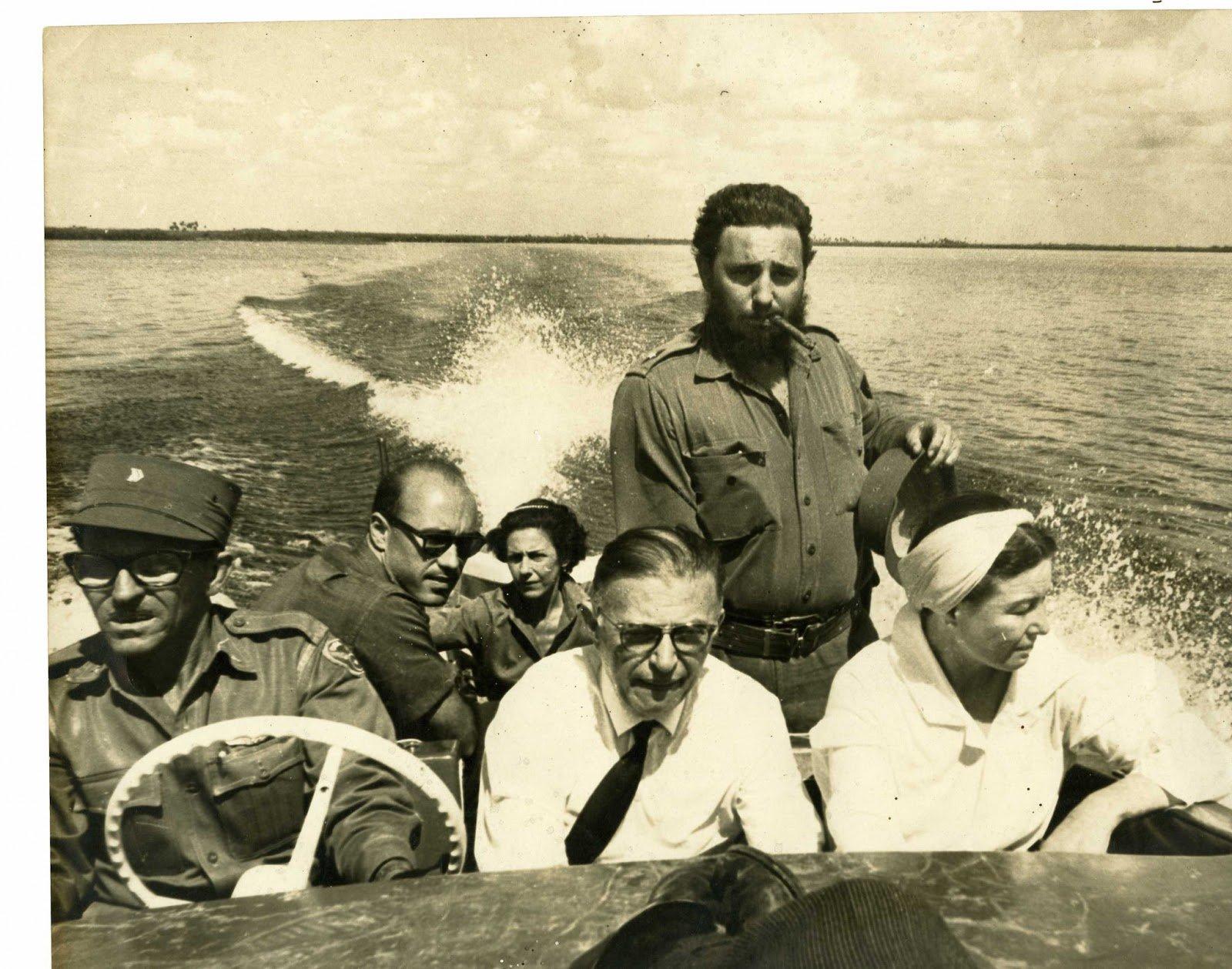 Jean-Paul Sartre y Simone de Beauvoir con Fidel Castro