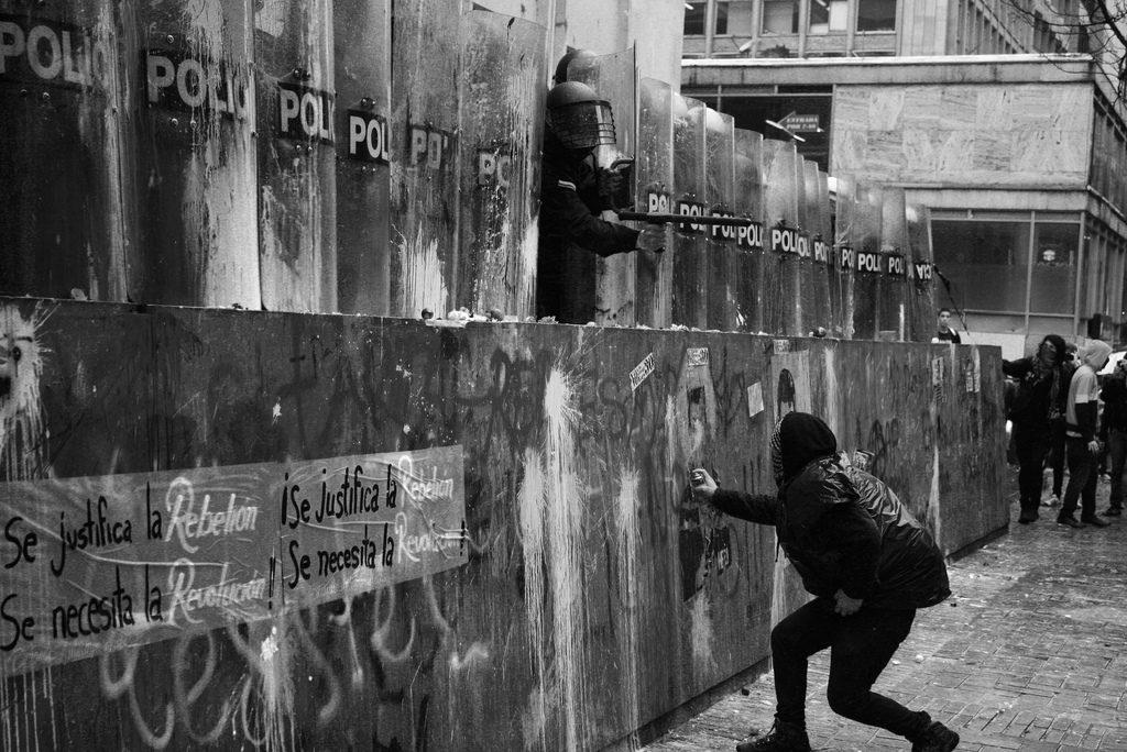 grafiti artístico protesta