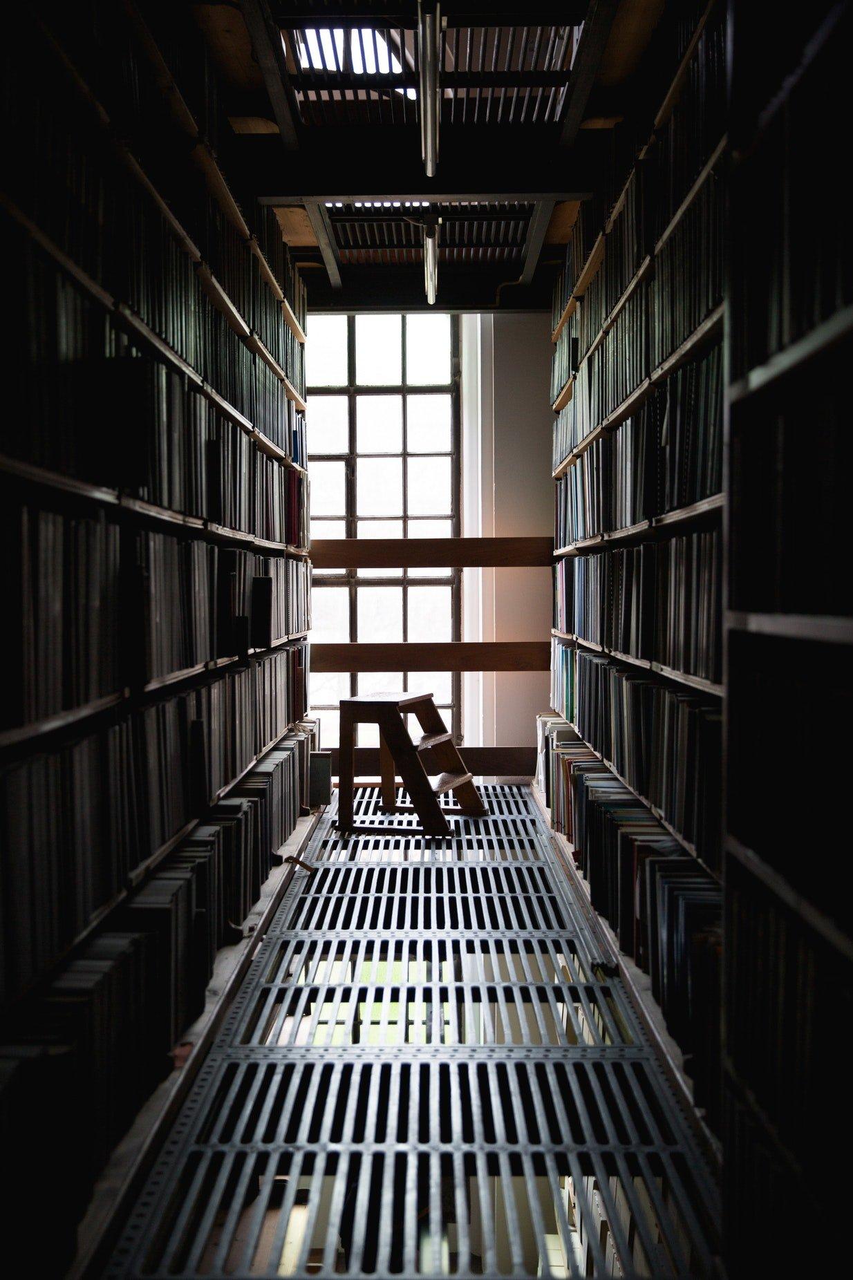 libreria-tragedia-depresiva