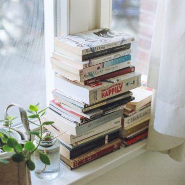 leer hospital libro monton libros