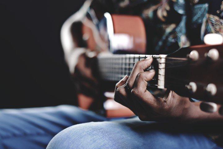 11 cantautores que son auténticos poetas - La piedra de Sísifo