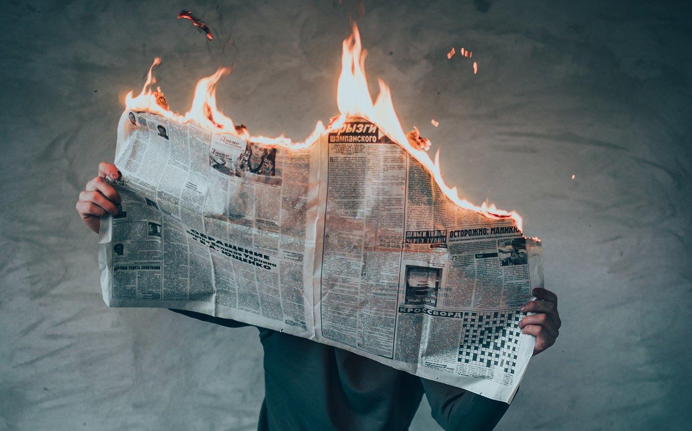periodico noticia falsa