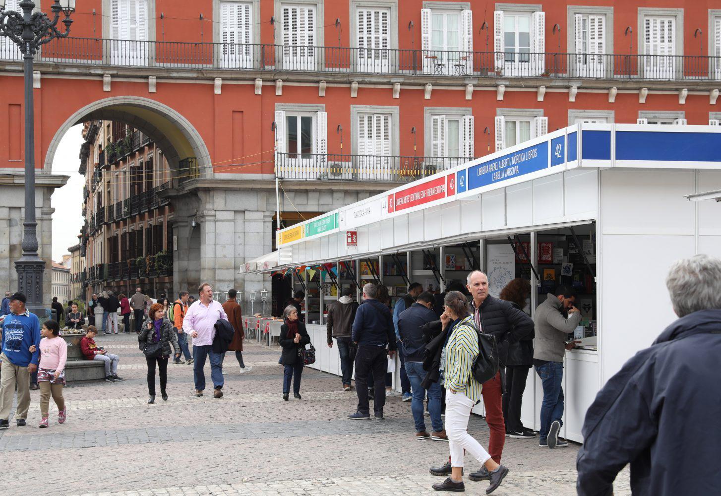 edicion feria libro madrid plaza mayor