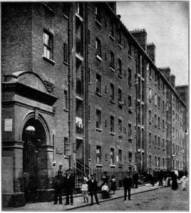 Casas de trabajo, en Wentworth St