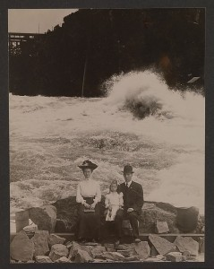 Family in front of Niagara Falls