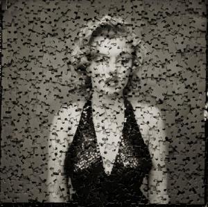 Marilyn Monroe con puzzle