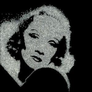 Marlene Dietrich con diamantes